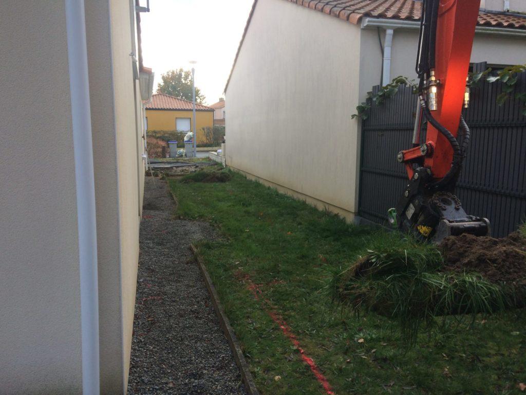 Création d\'une terrasse en résine minéral, un cabanon de jardin sur ...